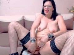 Hot mature on webcam. Recorded on 720cams.com