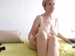 Mamie est en cam. Downloaded from 720cams.com