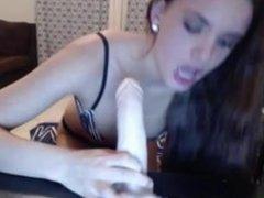 Cam girl deepthrout dildo. Live cam on 720cams.com