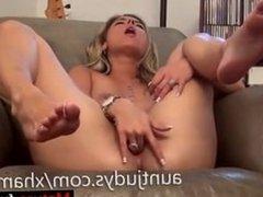 Meet Matures on MATURE-FUCKS.COM - Sexy Alana Luv fingers her mature wet pu