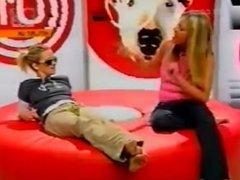 Cat Deeley & Edith Bowman barefoot on MTV 2