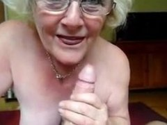 Granny making a perfect blowjob. Latoyia from DATES25.COM