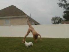 Cam Girl Runs Naked in the yard - dirtycam69.com