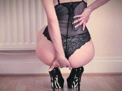 Hot babe in Black Lingerie HUGE cumshot! Then she licks it on the floor!