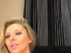 Femme reegard sensuel imagine son . Mariela LIVE on 720CAMS.COM