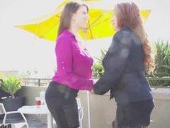 Lesbian Pussy Eating