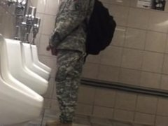 Str8 spy USA army guy in public toilet