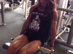 fbb training muscle girl