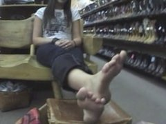 sweaty feet [weird edit]