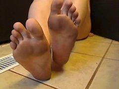 Dirty feet 01