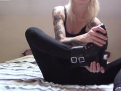 FGF - Candice shows you her stinky socks and feet