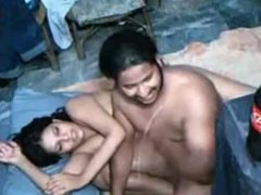 INDIAN GIRL FUCKED TWO GUYS IN HOSTEL ON WEBCAM