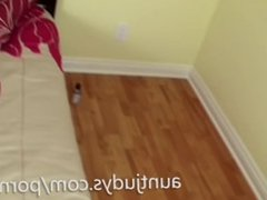 Alina Long masturbates with a vibrator in bed