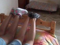 teen feet worship