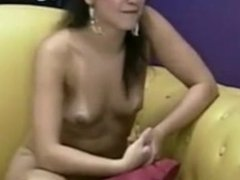 Latina Midel Gives A Show Off