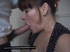 Mature housewife takes a huge oral. Valentina from dates25.com