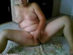 Chubby babe squirts in front of webcam