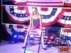 Kelly Kelly Striptease