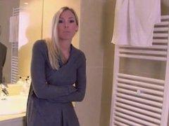 Blonde Girl Plumber Give Handjob and Blowjob