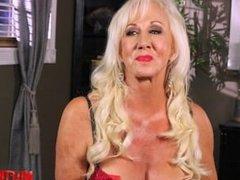 Hot girlfriend surprise anal