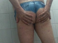 shower in butty thong jean