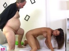 Horny girlfriend cumshot inside