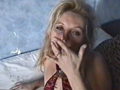 Dirty english slut Karen self torture, wank and piss drinking.