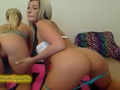 Two Sexy girl on webcam