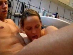 Blowjob in the bathtub. Brigida from 1fuckdate.com