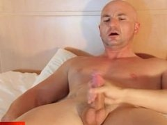 Alexis a real straight guy gets massaged his big balls by a guy !