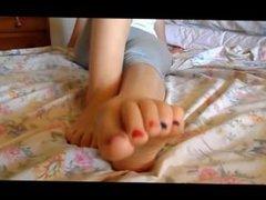 Amateur foot fetish & Girl feet soles