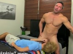 Blonde hair dick guy gay home porno Even straight muscle boys like Brock