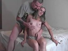 Teen loves to give hand jobs - b-dussy.com