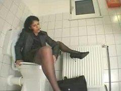 masturbation on toilet by snahbrandy