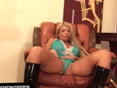Busty MILF Veronica masturbate with snooker stick on table