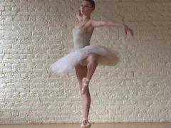 Une danseuse de ballet nue