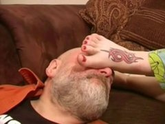 Smelling Sleepy Stinky Feet (Preview) from www.toes2nose.com
