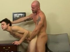 Twink movie of First he gets the messenger to deepthroat his hard-on