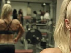 Su Farrell fbb female muscle workout