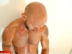 Taking a shower with a gym guy !