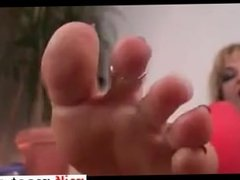 milf au pieds sublimes - Date her on MILF-MEET.COM