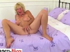 Nyloned granny Molly needs to rub one ou - Pussy from MILF-MEET.COM