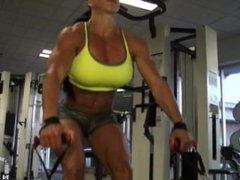 Michelle Trapp fbb female muscle