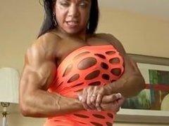 Super Muscle MILF Muscular Woman from SEXDATEMILF.COM