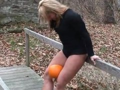 she crushes pumpkins with her thighs