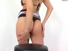 giantess kerri butt crush