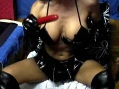 German Amateur Girl Deepthroat im Lack Outfit