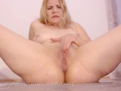 Dildoing Pussy Till Cum - Big Squirting Orgasm