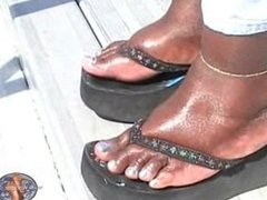 Fat Black Girls shows off her fat soles in the sun