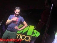 Nacho Vidal se folla a una espontanea en la orgia de ADP by Viciosillos.com